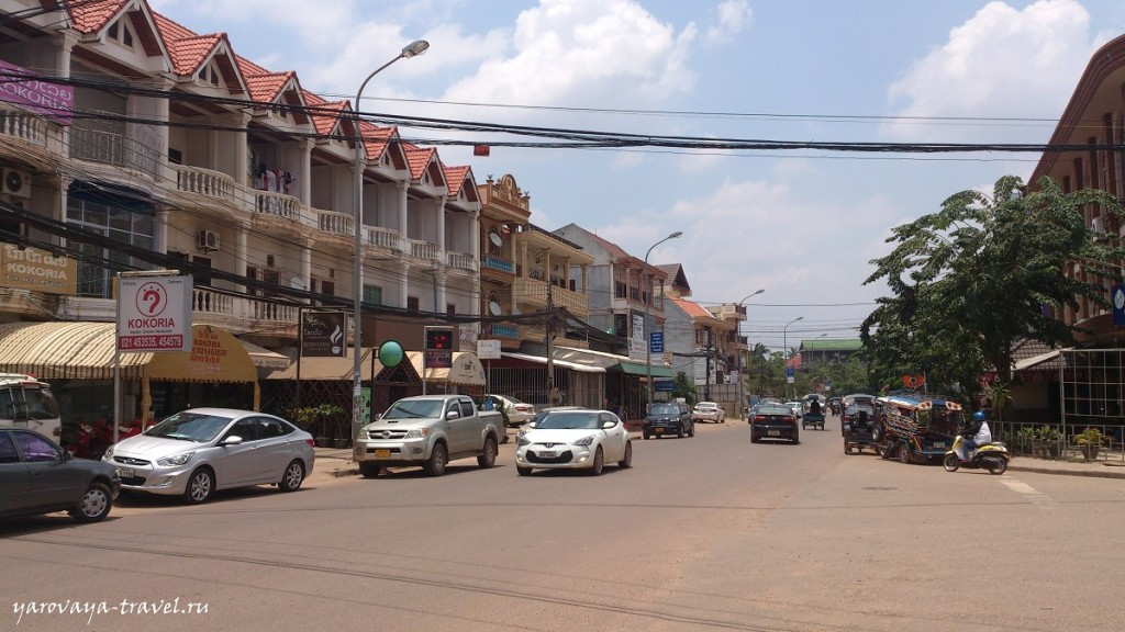 Одна из оживленных улиц рядом с тайэмбаси