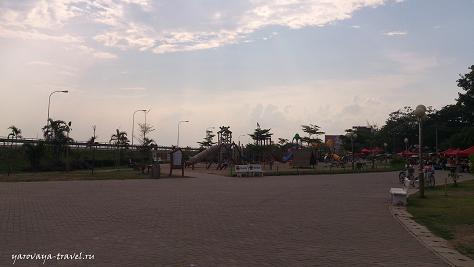Детская площадка на набережной