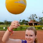 Небо. Воздушный шар. Ангкор Ват.