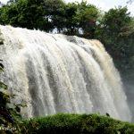 Слоновий водопад и пагода Linh An Tu в окрестностях Далата.