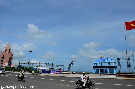 Основных площадок для проведения праздника в Нячанге две - у Лотоса и у старого аэропорта.