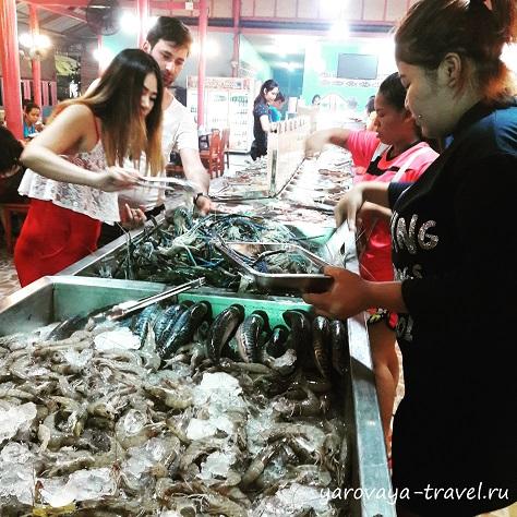 где поесть морепродукты на патонге