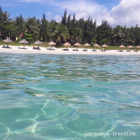 Территория отеля White Sand Doclet Resort.