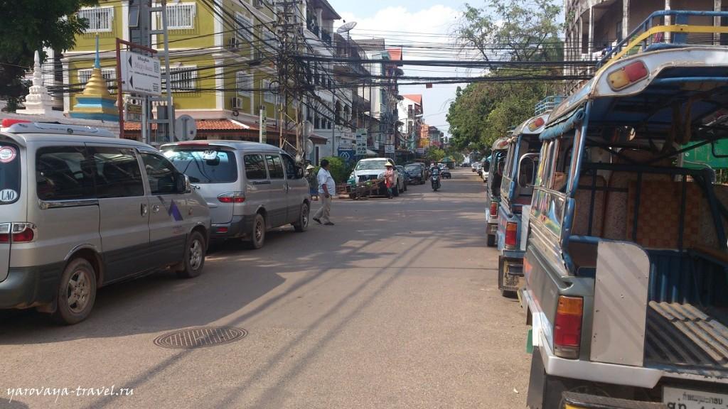 Одна из улиц Вьентьяна