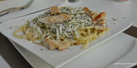 Вкуснейшая паста с острым сыром и курицей