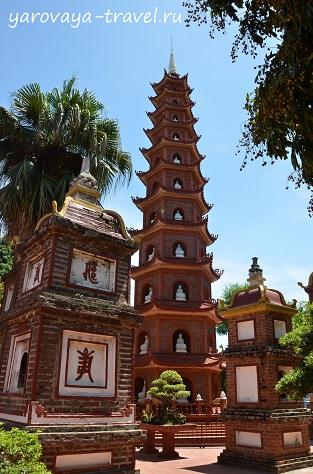 Пагода Чан Куок в Ханое.