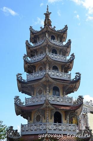 храм линь фуок бутылочный