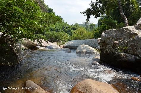 Водопад Та Гу.