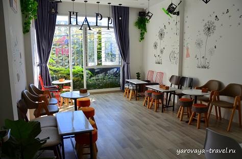 Уличные кафе в Нячанге
