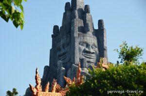 Люблю Ангкор Ват, поэтому была рада увидеть здесь его фрагменты.