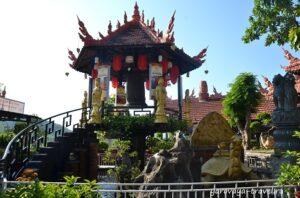 Пагода на одном столбе.