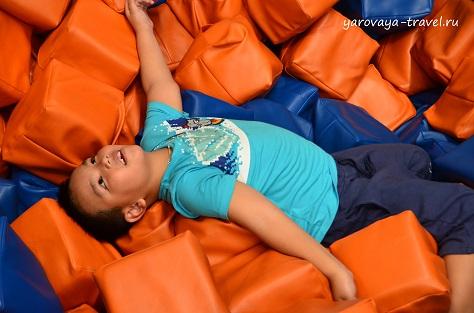 Дети обожают проводить время в Джамп парке!