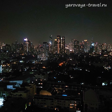 Ночной Бангкок. Вид из номера.