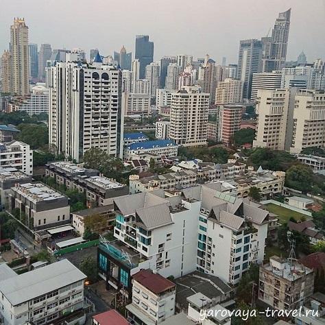 Вид на утренний город. Хорошо видно, когда нет смога в столице.