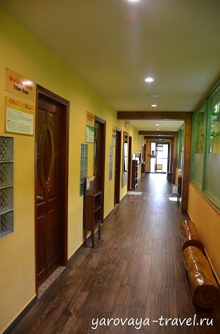 В коридоре чимчильбана.