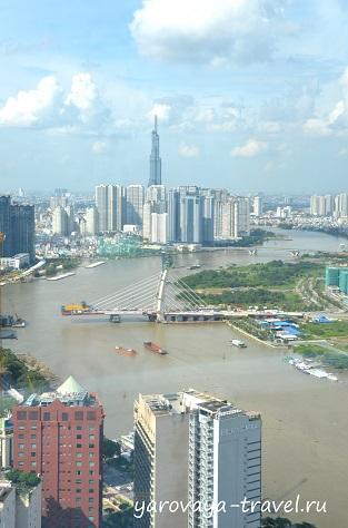 Landmark 81 - самое высокое здание, которое видно из разных районов города.