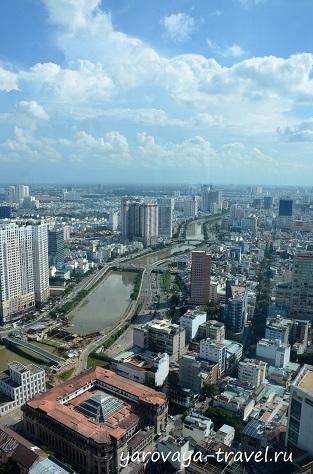 """Река Сайгон """"пронизывает"""" город и является местом для прогулок у горожан."""