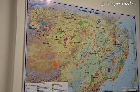 Бассейн реки Амур. Протекает по территории России и границе России и КНР.