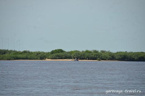 Еще один дикий пляж на другом берегу Амура.