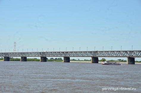 Хабаровский мост через Амур.